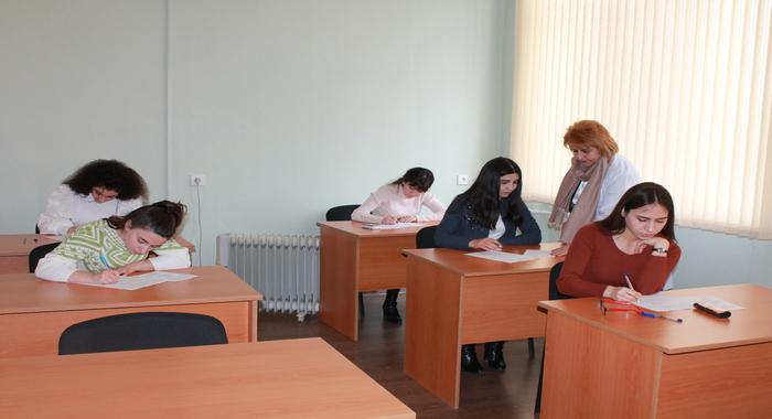 Началась зимняя экзаменационная сессия магистрантов в Институте Молекулярной Биологии и Биотехнологий