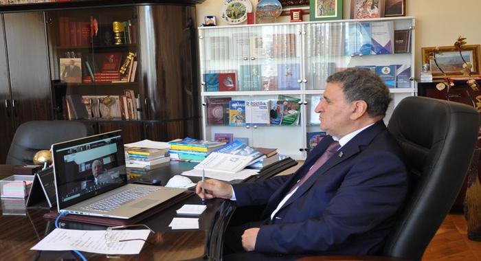 Академик Иса Габиббейли выступил на онлайн-заседании с участием Академий наук тюркских государств