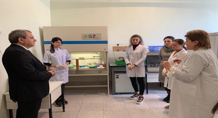 Ректор Бакинского Государственного Университета Эльчин Бабаев побывал в Институте Молекулярной Биологии и Биотехнологий