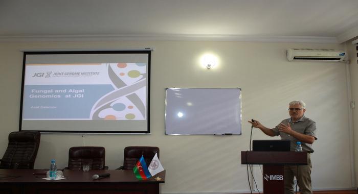 В Институте Молекулярной Биологии и Биотехнологий прошла лекция признанного ученого Асафа Саламова