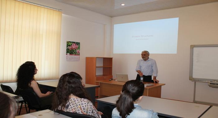 Продолжаются лекции профессора Кембриджского Университета Гариба Муршудова