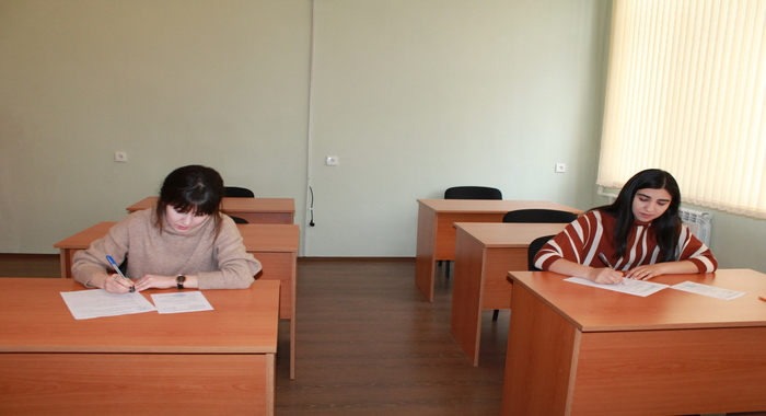 Winter exam session continues at the Institute of Molecular Biology and Biotechnologies