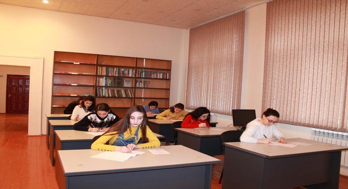 Зимняя экзаменационная сессия магистрантов в Институте Молекулярной Биологии и Биотехнологий НАНА продолжается