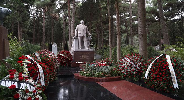 AMEA-da akademik Cəlal Əliyevin anadan olmasının 90 illiyinə həsr edilən konfrans keçirilib
