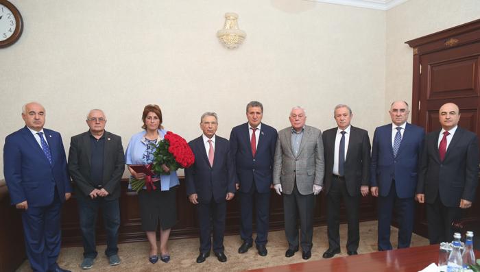 Руководство НАНА поздравило академика Ираду Гусейнову