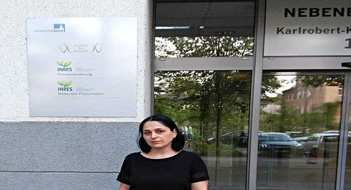 A leading researcher of the institute is on the scientific trip in Bonn, Germany