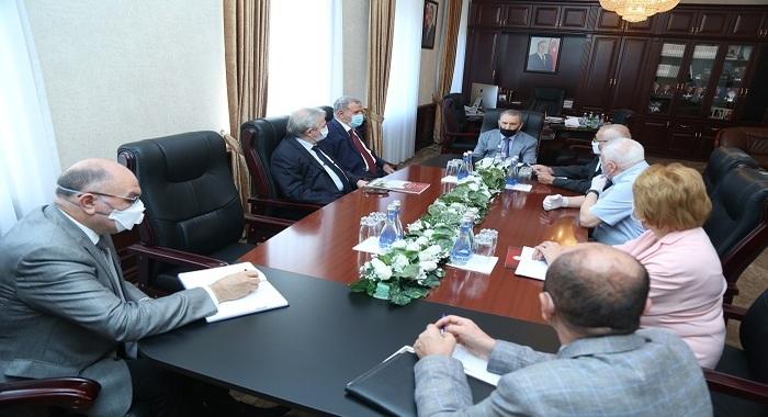 Были обсуждены вопросы, связанные с проведением обширных научных исследований, нацеленных на улучшение состояния водного хозяйства страны